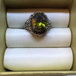 Jewelry - Olive green stone (Chrysoberyl) .925 Ring size 6